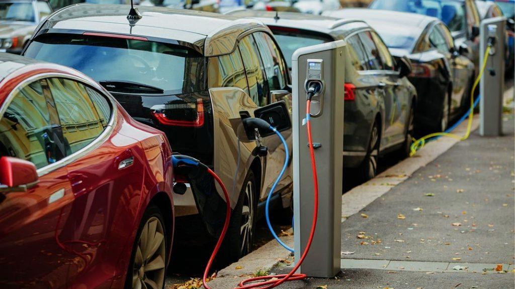 quanto-costa-ricaricare-auto-elettrica